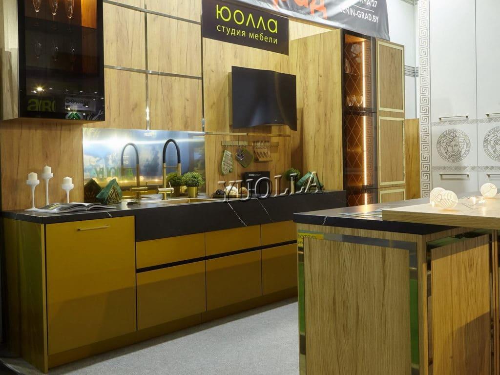 Кухня Лакшери из МДФ крашеного и шпона1